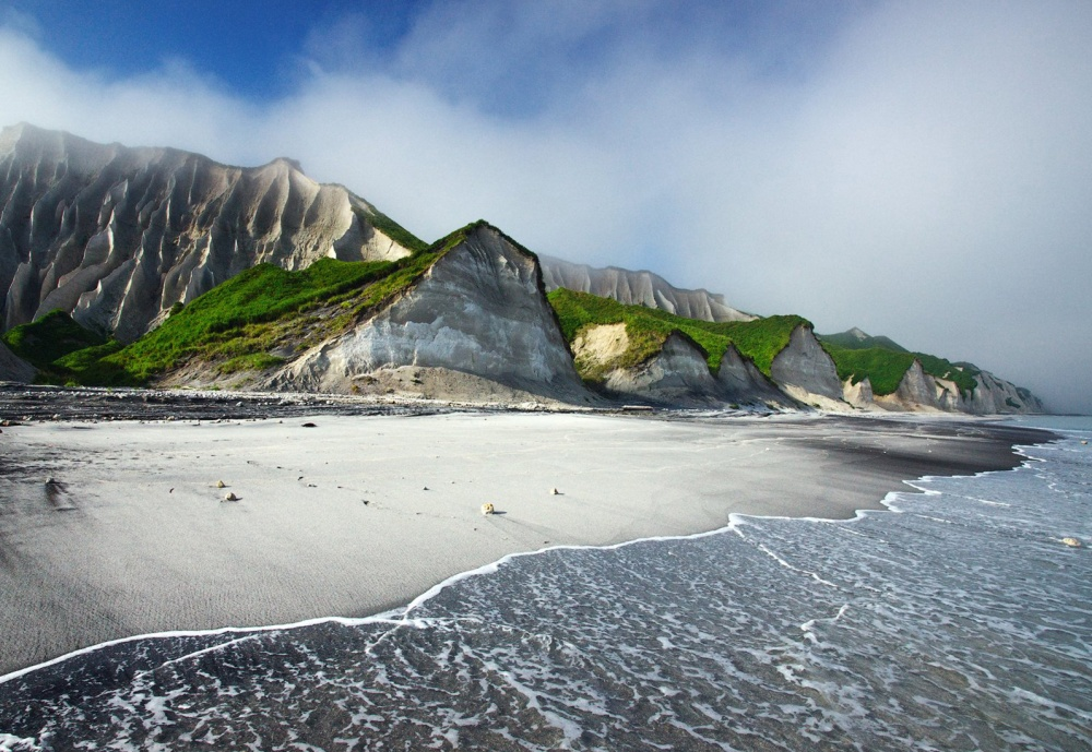 الجرف الأبيض في جزيرة إيتوروب، روسيا