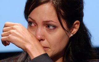 Mengenaskan! Jolie Effect Berkeinginan Operasi Angkat Payudara untuk Hindari Kanker Meningkat