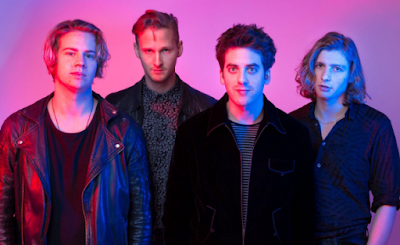 """Lirik Lagu Circa Waves - Out On My Own"""