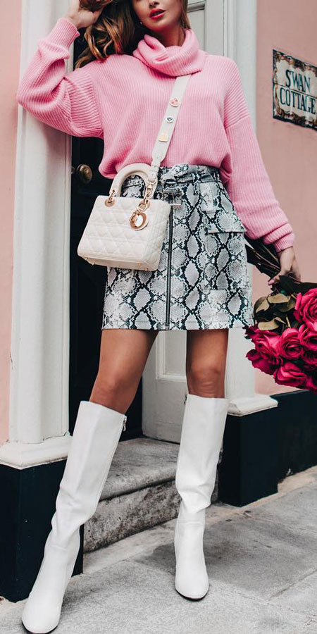 25 Best Extra Nice Winter Outfits to Wear Now.  winter fashion inspiration winter clothes style pretty winter outfits winter style fashion fashions winter #casual #casualstyle #casualoutfits #dresses