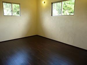 ローズウッド無垢フローリングの施工写真(部屋)