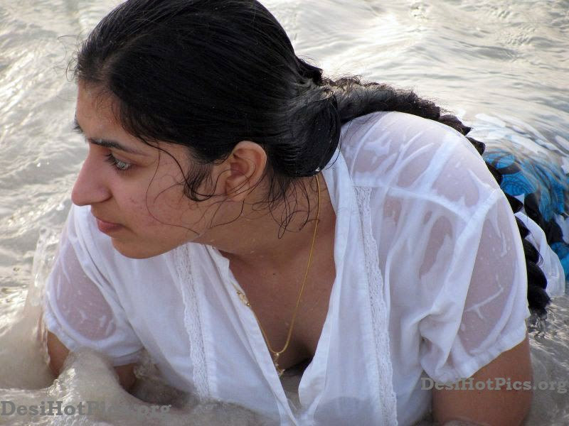 Hot And Wet Desi Girls And Aunties - Hd Latest Tamil