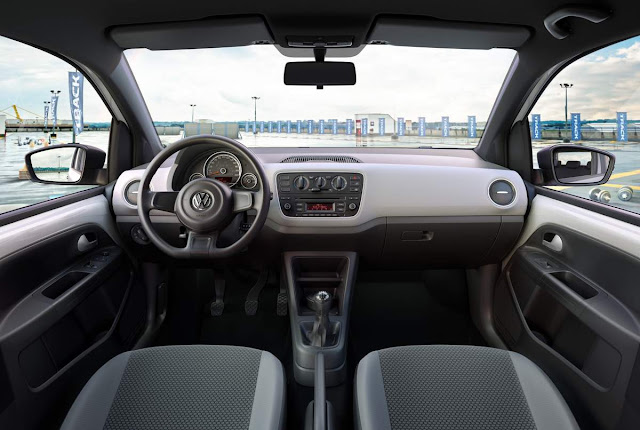 Volkswagen Up! Track 2017 - interior