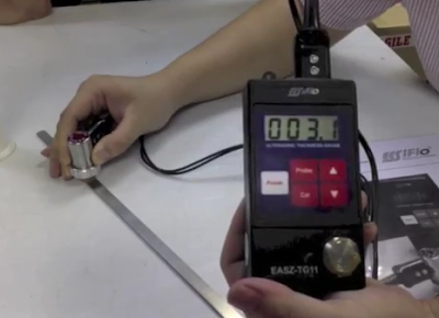 Pengujian ultrasonik thickness gauge