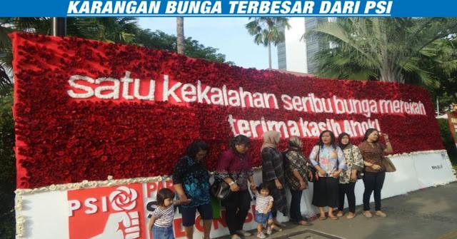 INI LHO, Karangan Bunga Paling Mencolok Di Balai Kota