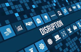 Disrupción es un proceso por el cual una empresa (o un negocio emergente de una empresa o un emprendimiento) más pequeña y con menos recursos desafía el éxito de empresas establecidas.