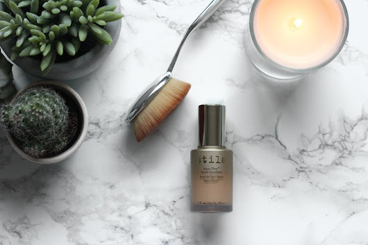 REVIEW: Stila Aqua Glow Foundation