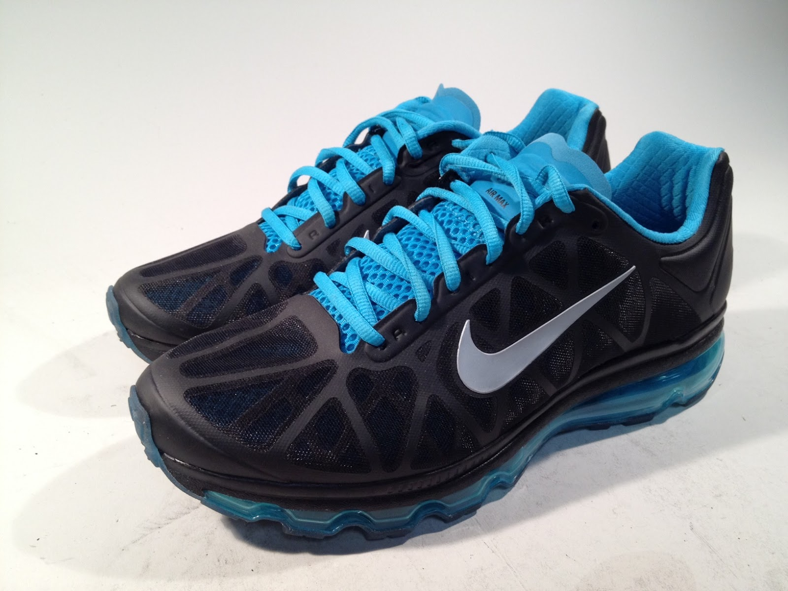 pas mal d8d75 9be21 Rusted Mecha: Review: NIKE Air Max 2011