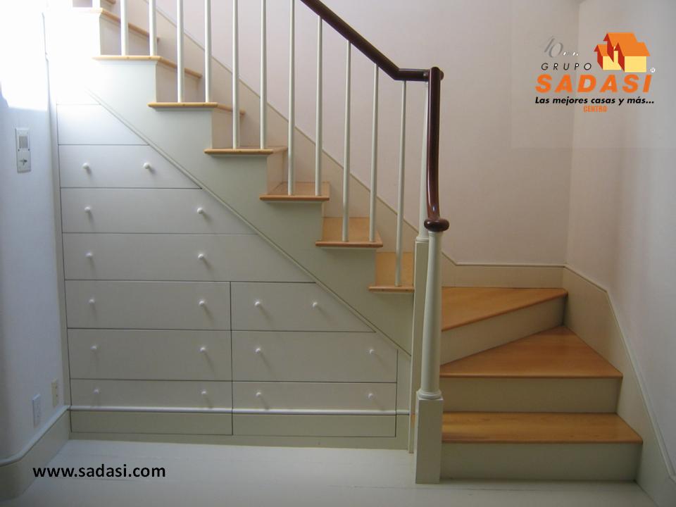 Sadasi corporativo uno de los mejores pisos para las for Escaleras para casas de 2 pisos