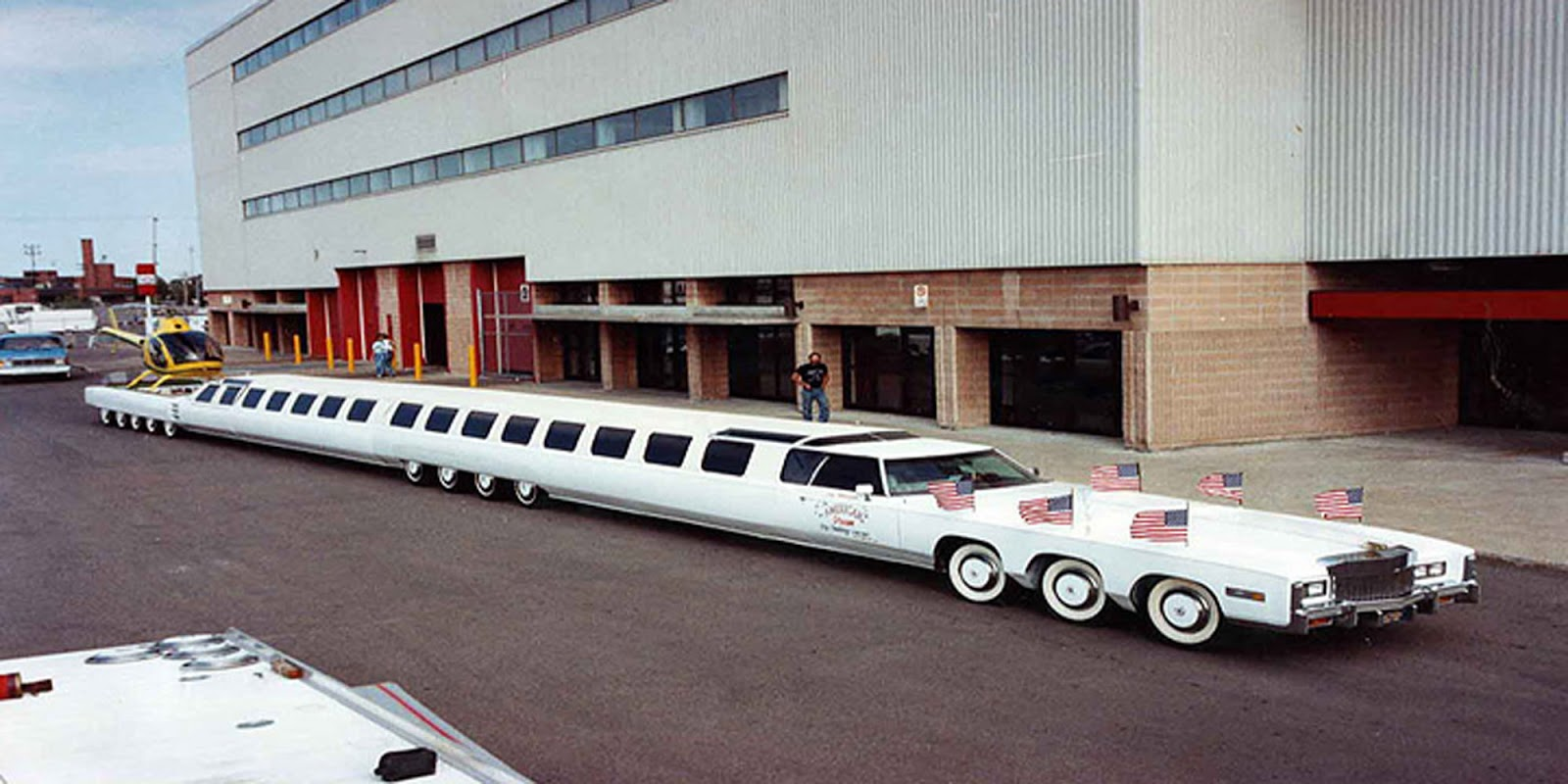 OMG!!! SEE THE MOST LONGEST CAR IN THE WORLD IT ALSO HAS A ...