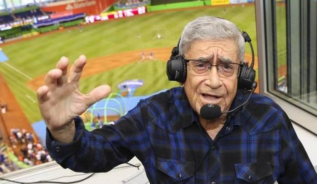 """El campo de béisbol número tres del Tropical Park de Miami pasó desde este miércoles a llamarse Rafael """"Felo"""" Ramírez, en honor al veterano locutor"""