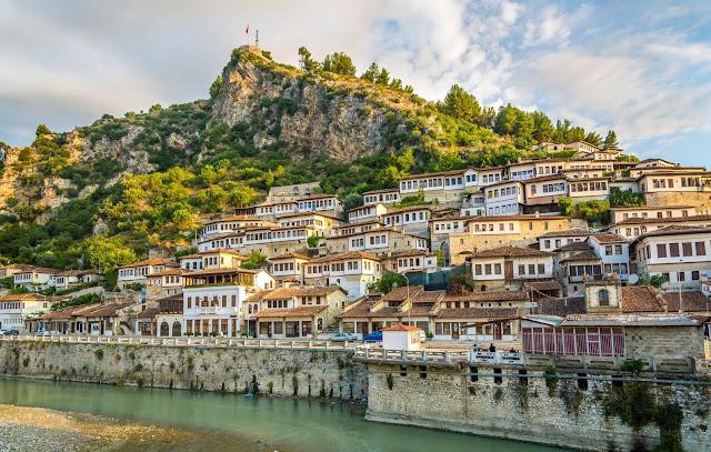 tips travel albania