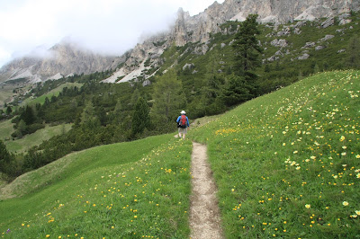 Heading to Rifugio Jimmy near Passo Gardena.
