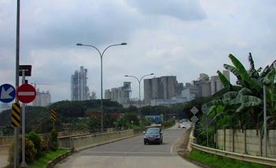 foto pabrik semen PT Indocement Tunggal Prakarsa