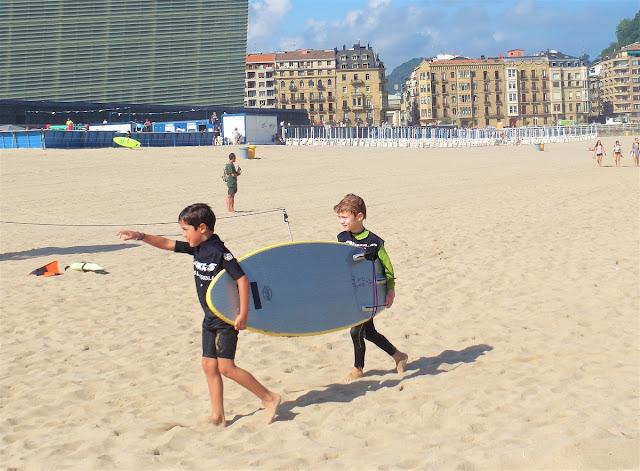 surfingskola i San Sebastian - Baskien