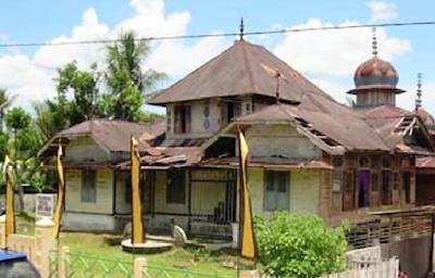 Wisata Sejarah Masjid Raya Kunto Darussalam Rokan Hulu