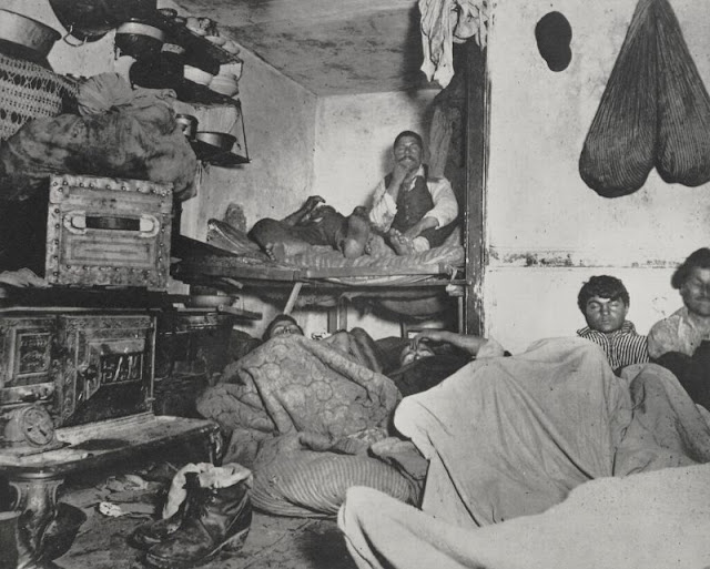 industrial revolution in england marked by poverty and poor working conditions