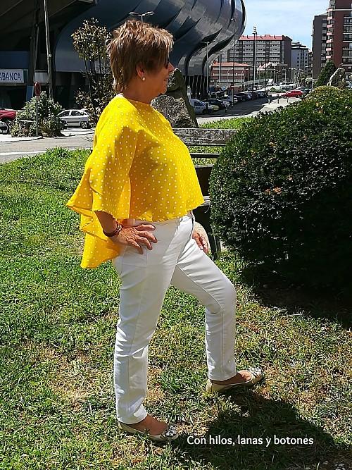 Con hilos, lanas y botones: Blusa circular amarilla