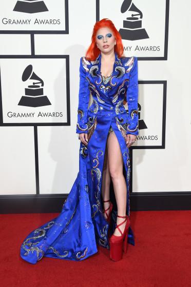 Grammy Awards 2016 - Strange red carpet