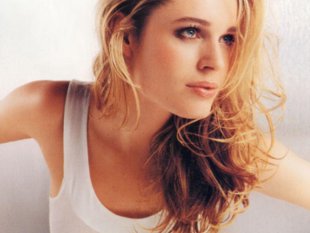 Hollywood celebrities wallpapers rebecca romijn stamos - Rebecca romijn measurements ...
