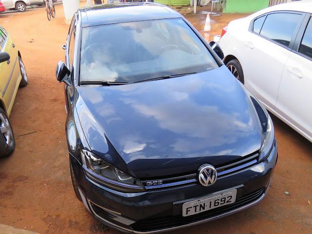 Volkswagen Golf GTE é flagrado em testes no Brasil - vídeo