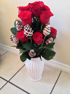 send a valentine chocolate roses bouquet