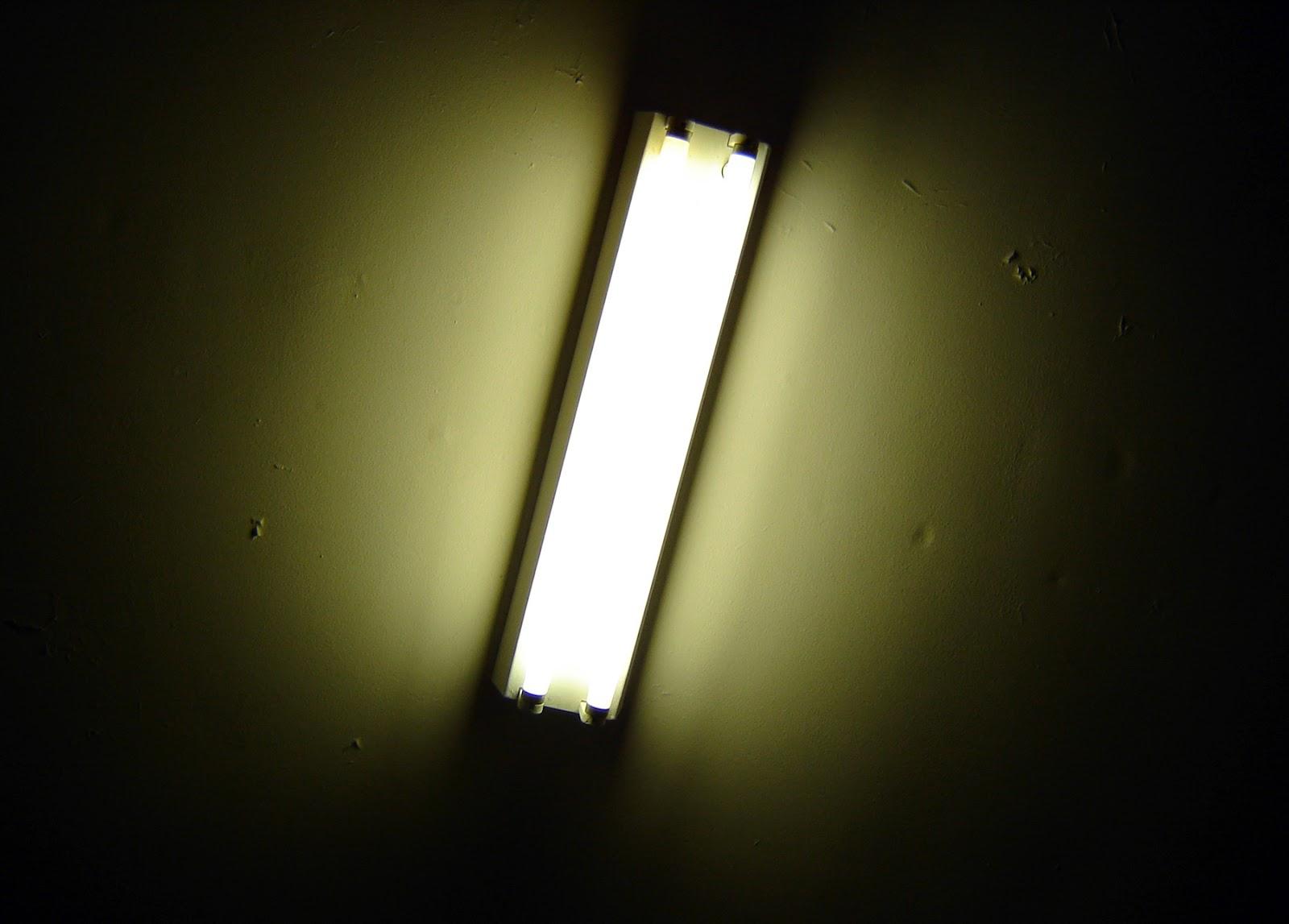 Instalaciones eléctricas residenciales - lámpara fluorescente