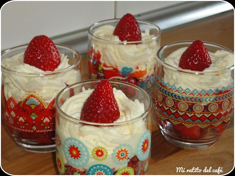 Fresas con nata (crema de leche)