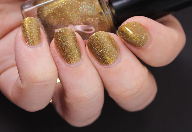 Femme Fatale Triple-Tongued Nail Polish Swatches & Review