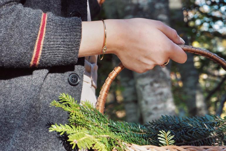 Cueillette en forêt - cardigan gryffondor