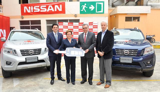 Nissan dona dos camionetas NP300 Frontier a la Cruz Roja en Ecuador