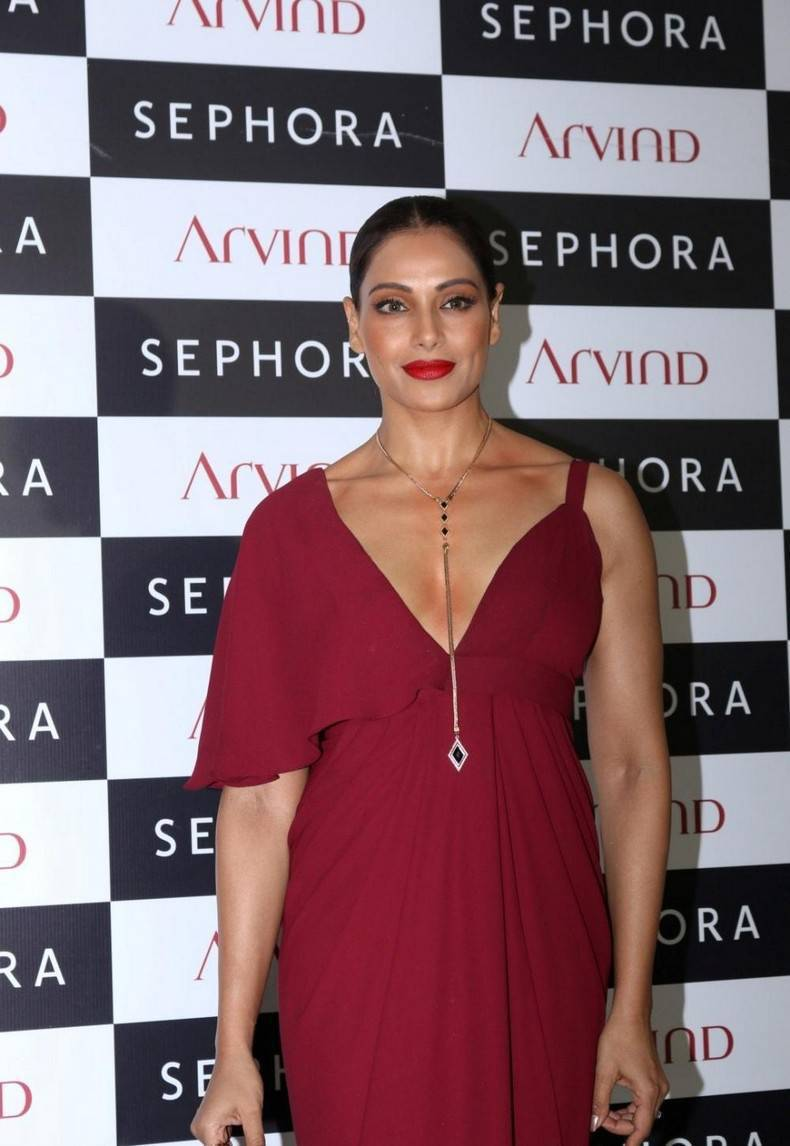 Hot Bollywood Actress Bipasha Basu Stills In Maroon Dress At Store Launch