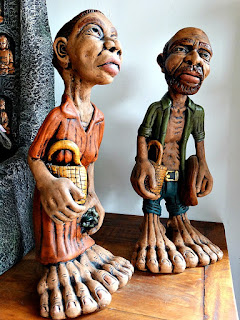 Esculturas de Mãos e Pés Grandes - Rossatto Garden Center