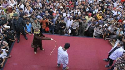 Hanya Berani Cambuk Rakyat Kecil, Warga Protes Walikota Banda Aceh