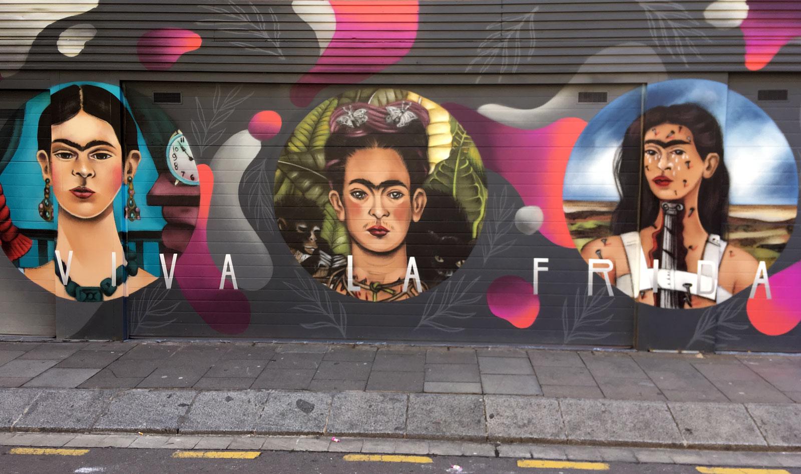 Frida Kahlo en la calle Ros de Olano. Barcelona, marzo 2018