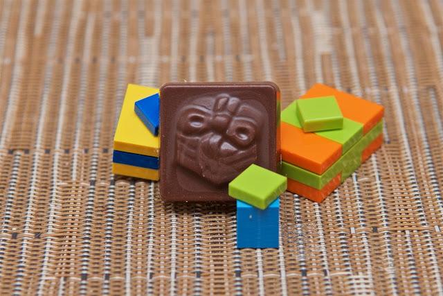 Lego - Advent Calendar - Calendrier de l'Avent - Lego - Cadeau - Gift - Chocolat au lait