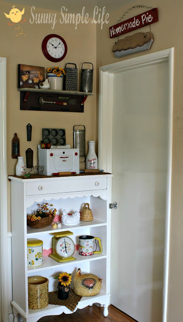 vintage kitchen, chickens, cozy kitchen corner