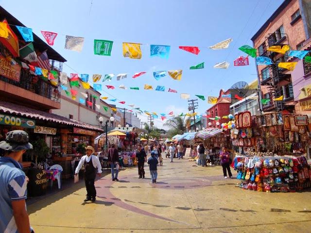 Resultado de imagen para fotos de la calle revolucion de tijuana en tiempos de oro
