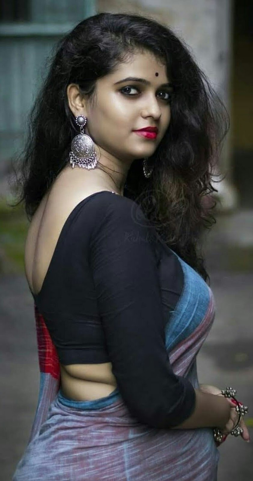 Hot Indian Women In Saree Exclusive And Ultimate Photo -5852