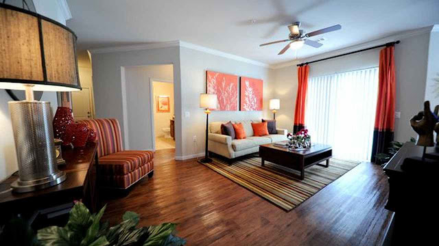 How to Find the Woodlands Furnished Apartments with Classified Sites?