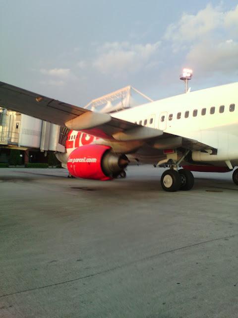 Inilah Rahasia Membeli Tiket Pesawat Dengan Harga Murah, Bocoran Dari Pramugari
