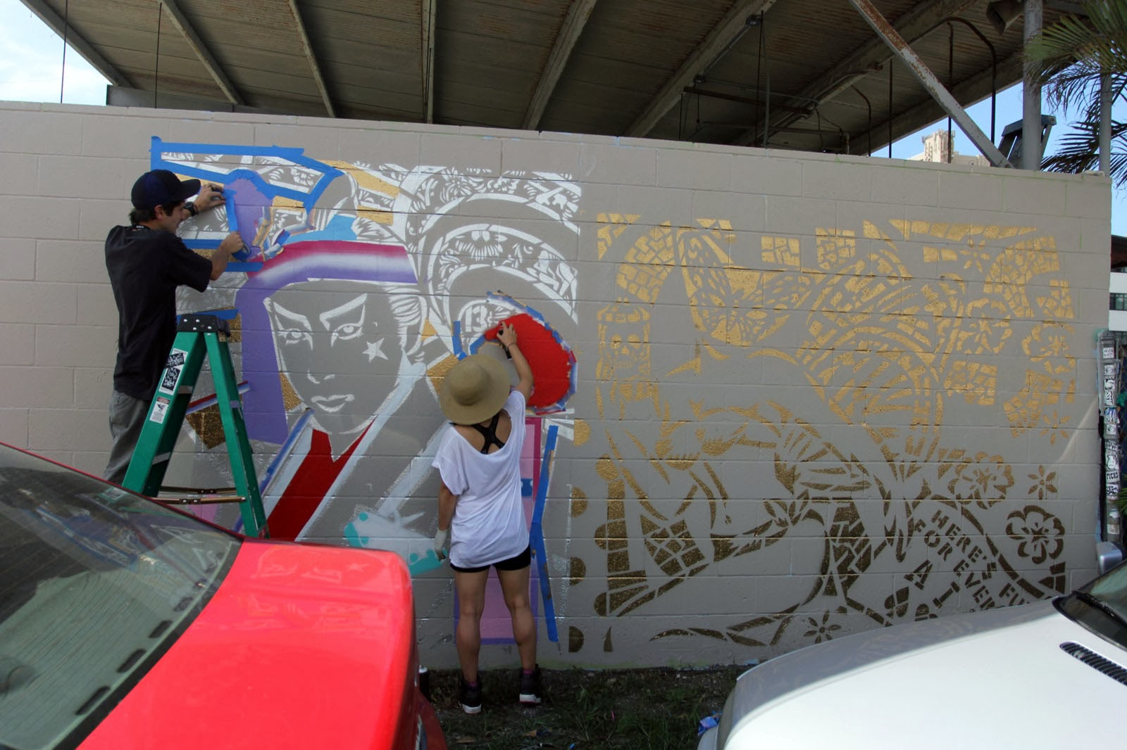 We kick off our special coverage of POW! WOW! Hawaii 2014 with Lady Aiko working on her new piece in Honolulu. 1
