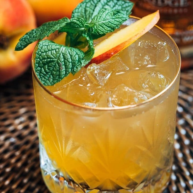 BOURBON PEACH SMASH #drinks #nonalcoholic