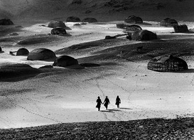 http://kvetchlandia.tumblr.com/post/152440828638/raymond-depardon-nomad-encampment-borkou