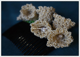 free crochet floral hair comb pattern