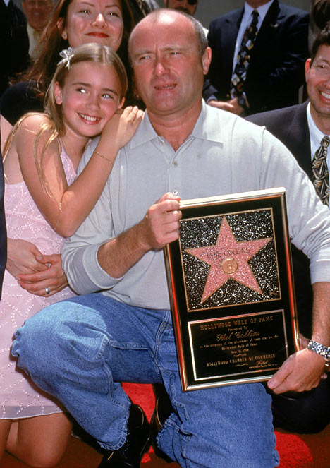 David - Mulhollandd: La guapa hija de Phil Collins