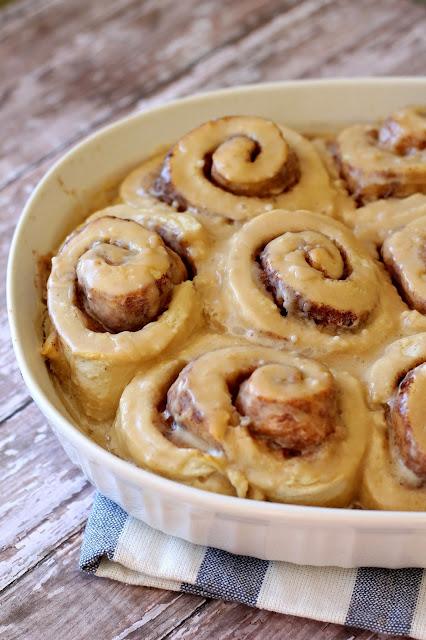 5 Holiday Breakfast Ideas - Cinnamon Rolls