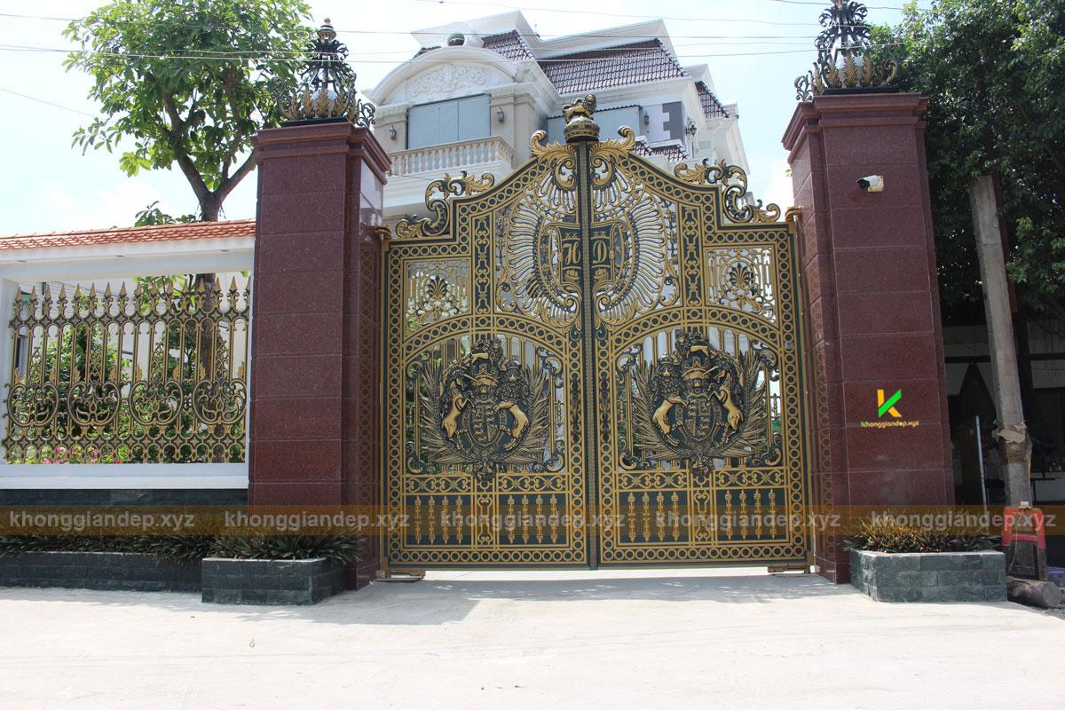 Mẫu thiết kế cổng biệt thự ở Tiền Giang