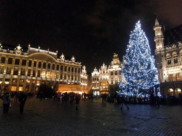 El espíritu navideño en la Grand Place de Bruselas