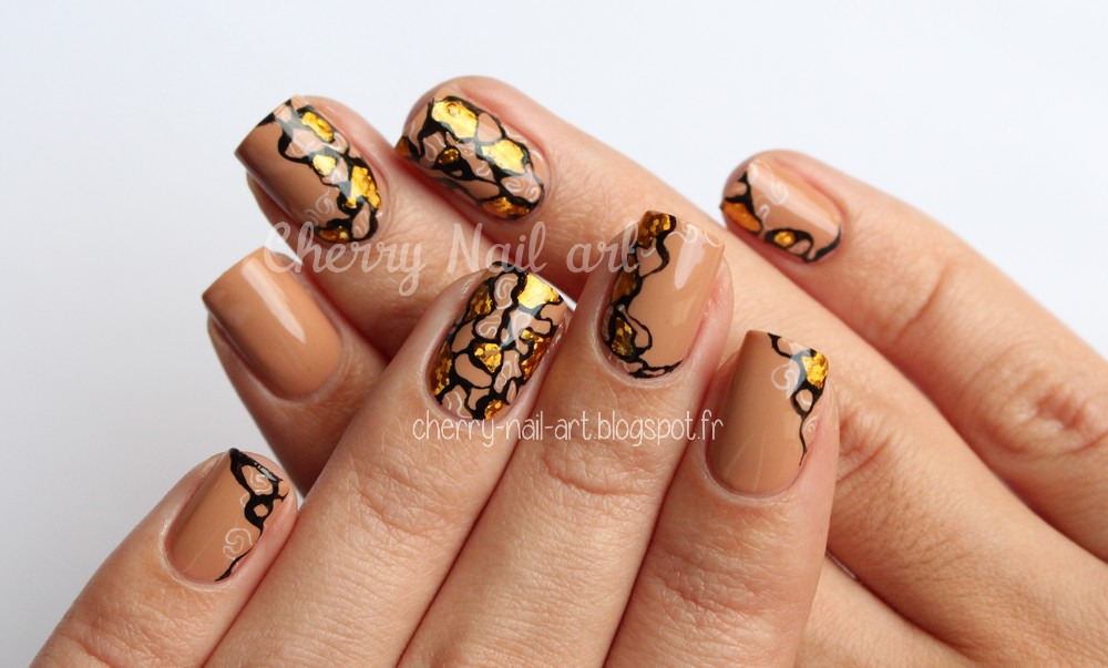 nail art abstrait foil